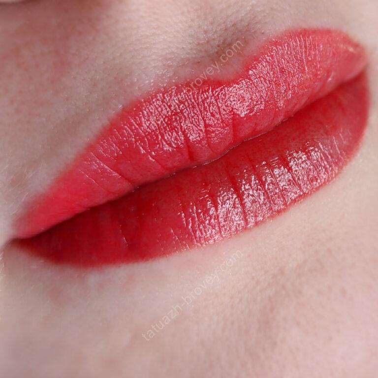 Перманентный макияж губ (техника nude).